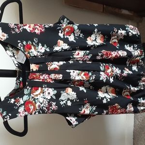 Vero Moda Large Black Tank Top with Floral Pattern
